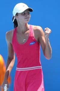 res Elizaveta+Kulichkova+2013+Australian+Open+hiHYD YEDaDx Куличкова идет вперед