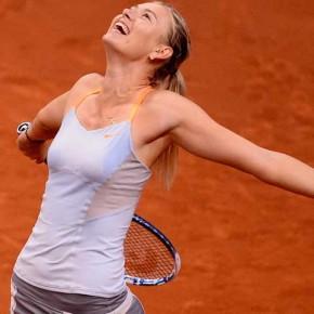Мария Шарапова завоевала путевку в четвертьфинал турнира в Штутгарте