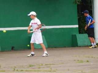 Стоит ли отдавать ребенка в большой теннис Стоит ли отдавать ребенка в большой теннис?
