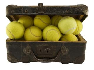 Основной инвентарь для игры в теннис Основной инвентарь для игры в теннис